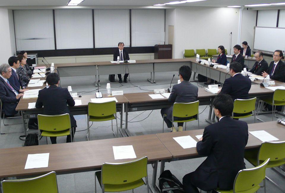 2月14日に開催された、「第1回 がんゲノム医療中核拠点病院等の指定に関する検討会」