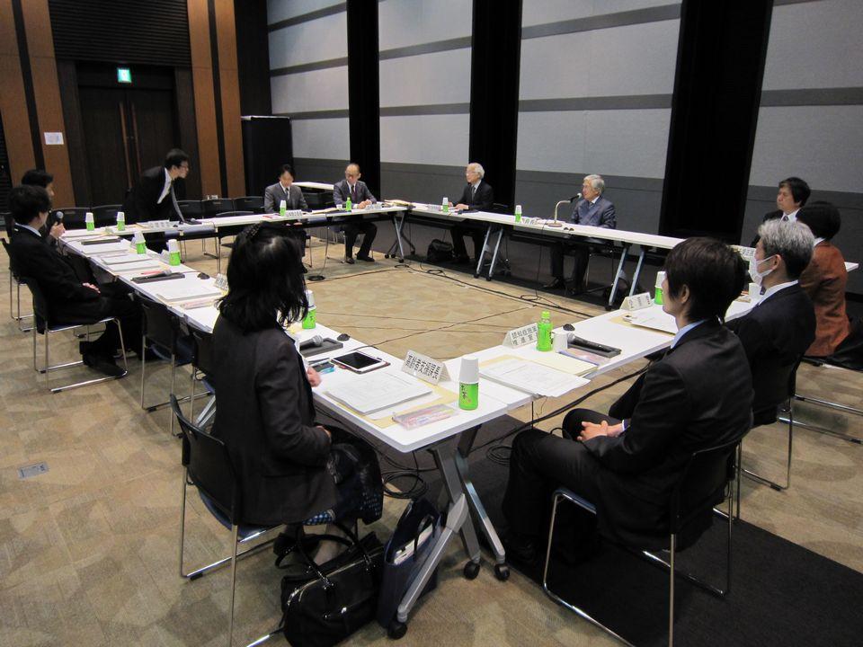 4月4日に開催された、「第25回 社会保障審議会 介護給付費分科会 介護事業経営調査委員会」