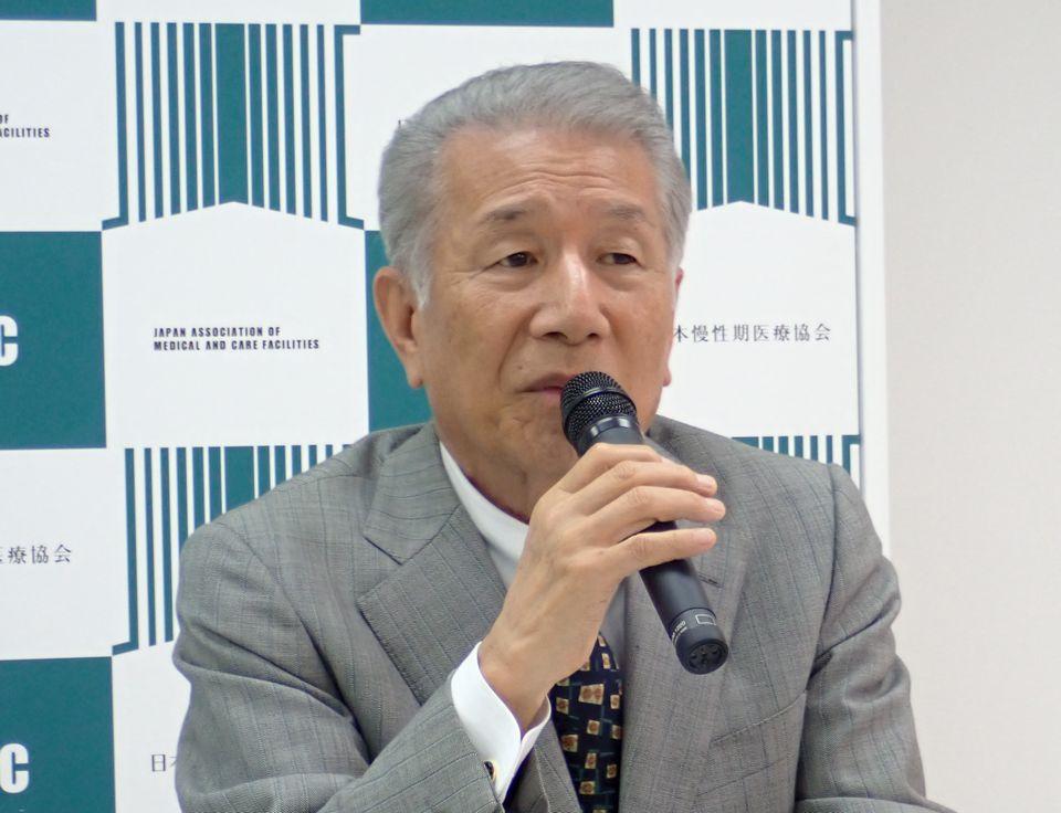 4月12日に、定例記者会見に臨んだ、日本慢性期医療協会の武久洋三会長