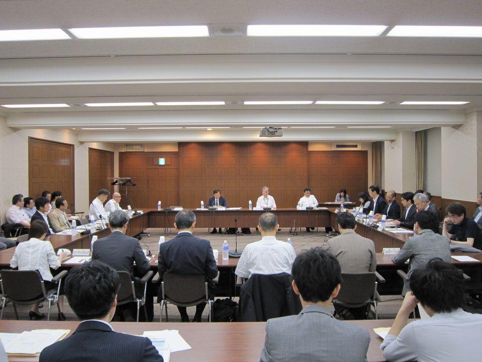 6月14日に開催された、「第3回 医療・介護データ等の解析基盤に関する有識者会議」
