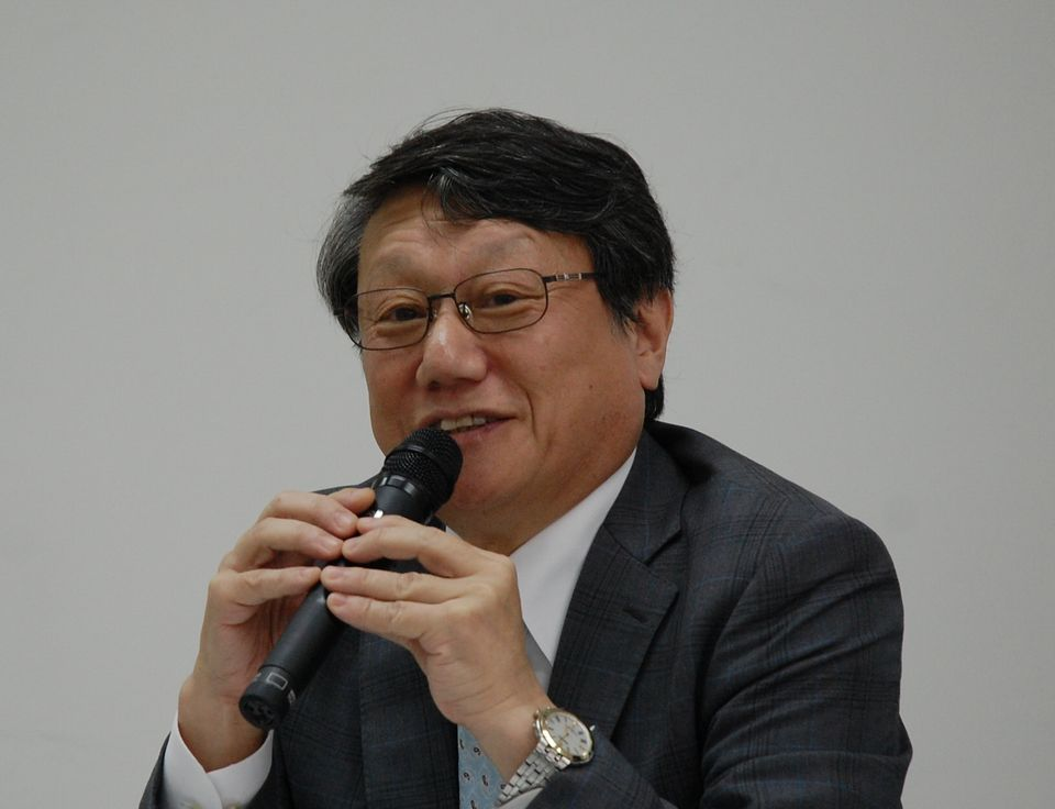 7月12日の定例記者会見に臨んだ、日本慢性期医療協会の矢野諭副会長