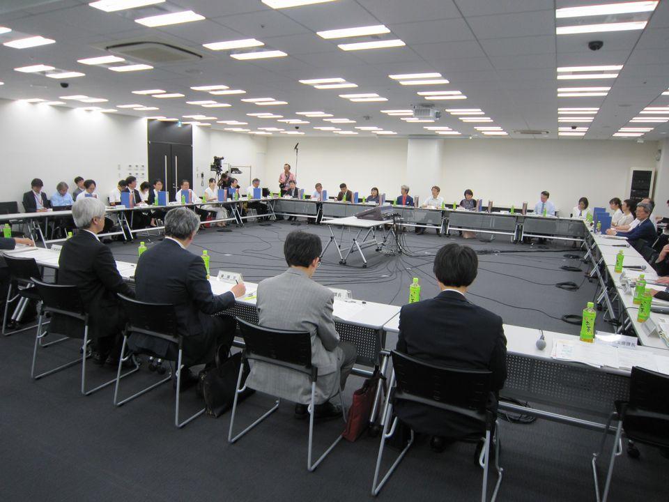 7月9日に開催された、「第8回 医師の働き方改革に関する検討会」