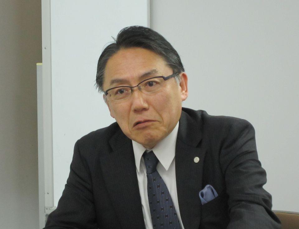 8月22日、四病協総合部会終了後の記者会見に臨み、専門医制度の改善に向けた四病協提言について説明した全日本病院協会の神野正博副会長