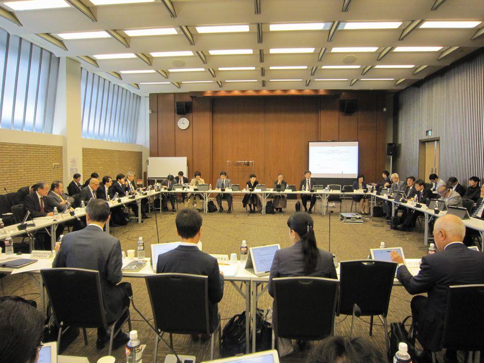 11月7日に開催された、「第11回 中央社会保険医療協議会 費用対効果評価専門部会・薬価専門部会・保険医療材料専門部会 合同部会」