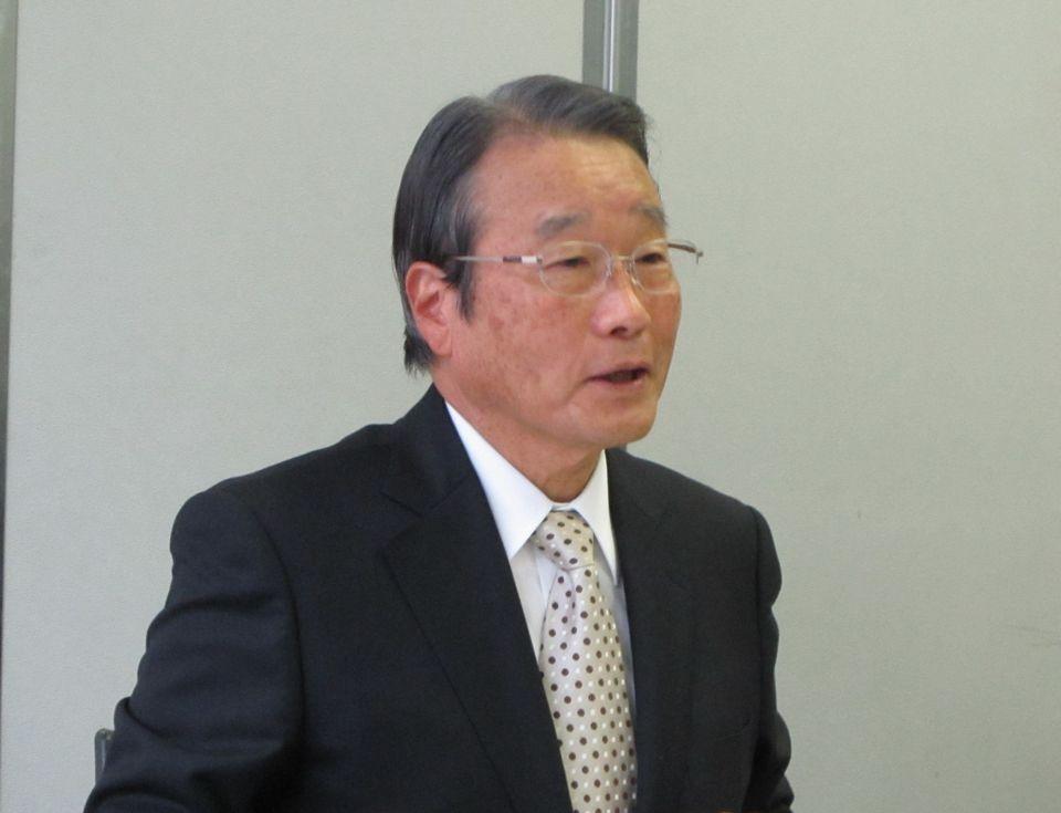 11月19日の定例記者会見に臨んだ、日本専門医機構の寺本民生理事長(帝京大学・臨床研究センター長)