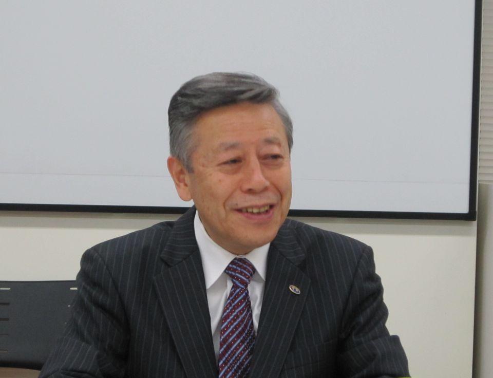 11月20日の定例記者会見に臨んだ、日本病院会の相澤孝夫会長(社会医療法人財団慈泉会相澤病院理事長)