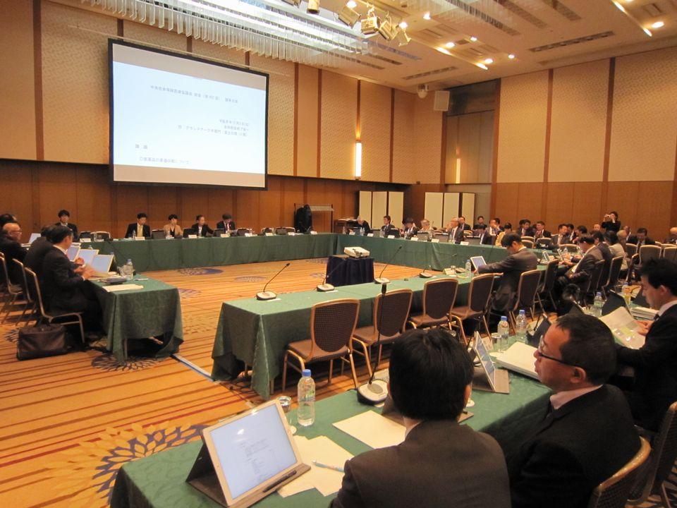 12月5日に開催された、「第402回 中央社会保険医療協議会 総会」