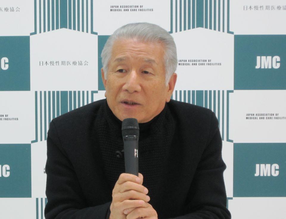 12月13日に定例記者会見に臨んだ、日本慢性期医療協会の武久洋三会長