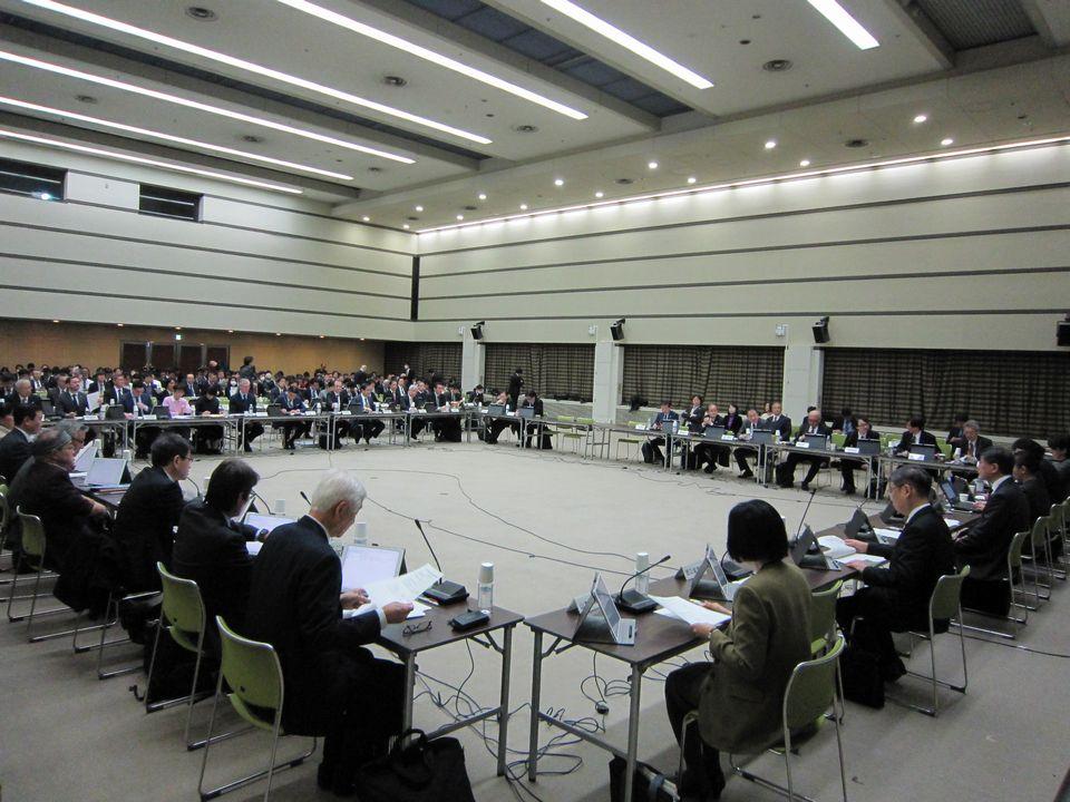12月19日に開催された、「第14回 中央社会保険医療協議会 費用対効果評価専門部会・薬価専門部会・保険医療材料専門部会 合同部会」