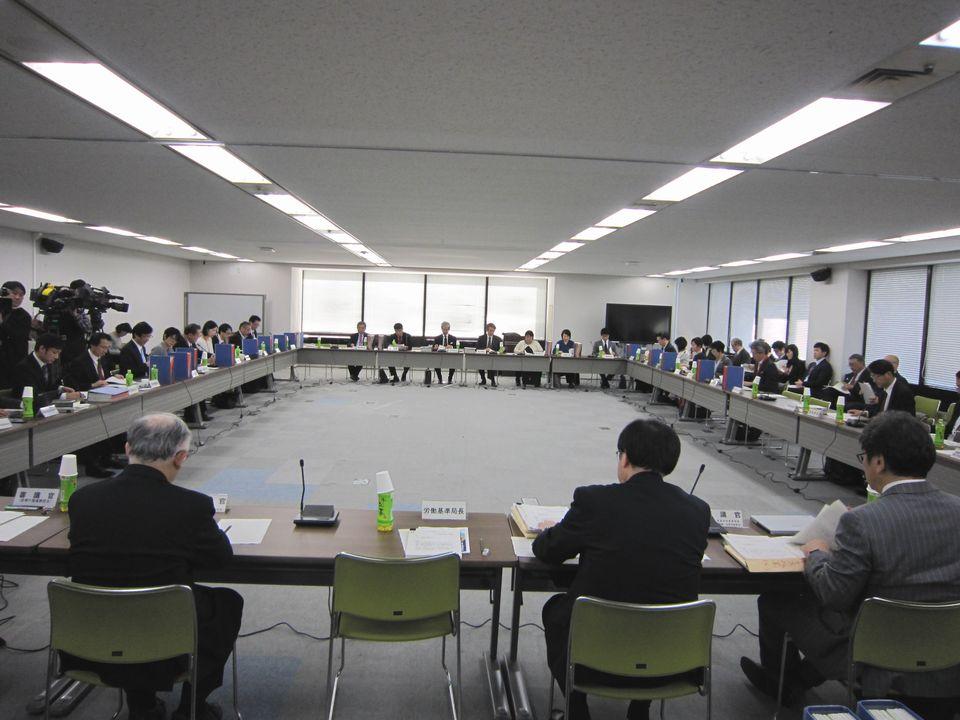 1月11日に開催された、「第16回 医師の働き方改革に関する検討会」