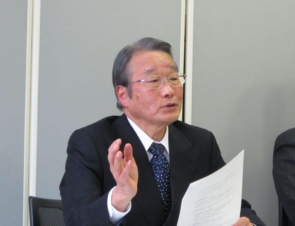 2月18日の定例記者会見に臨んだ、日本専門医機構の寺本民生理事長(帝京大学・臨床研究センター長)