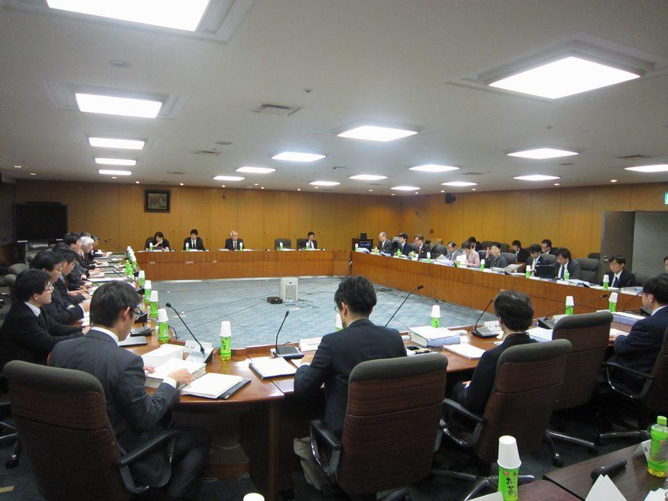 2月18日に開催された、「第28回 医療従事者の需給に関する検討会 医師需給分科会」