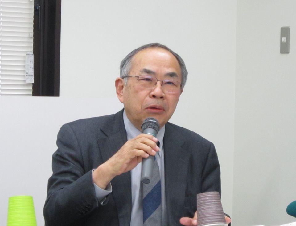 2月26日の定例記者会見に臨んだ、日本病院会の末永裕之副会長(小牧市民病院事業管理者)