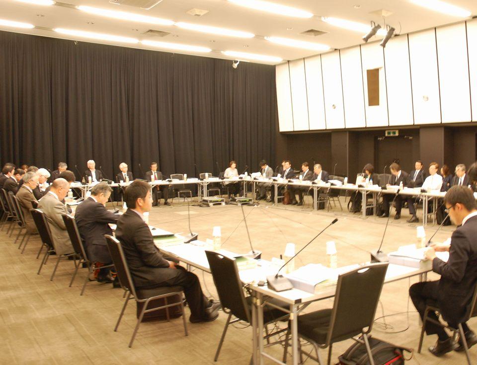 3月22日に開催された、「第7回 医療従事者の需給に関する検討会」と「第30回 医師需給分科会」との合同開催
