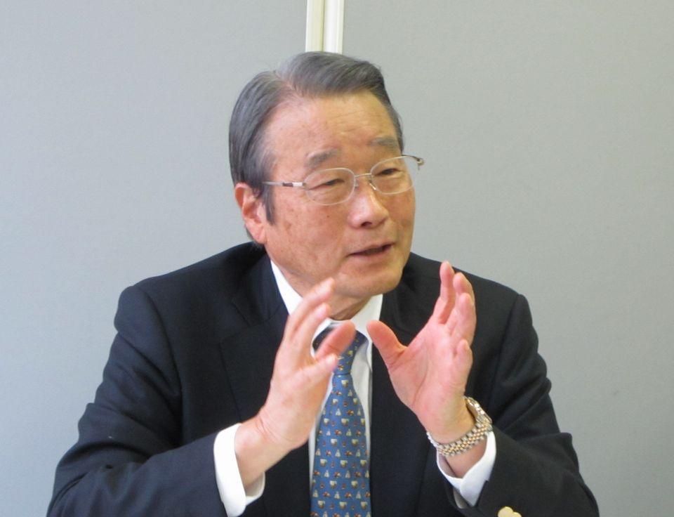 3月18日の定例記者会見に臨んだ、日本専門医機構の寺本民生理事長(帝京大学・臨床研究センター長)