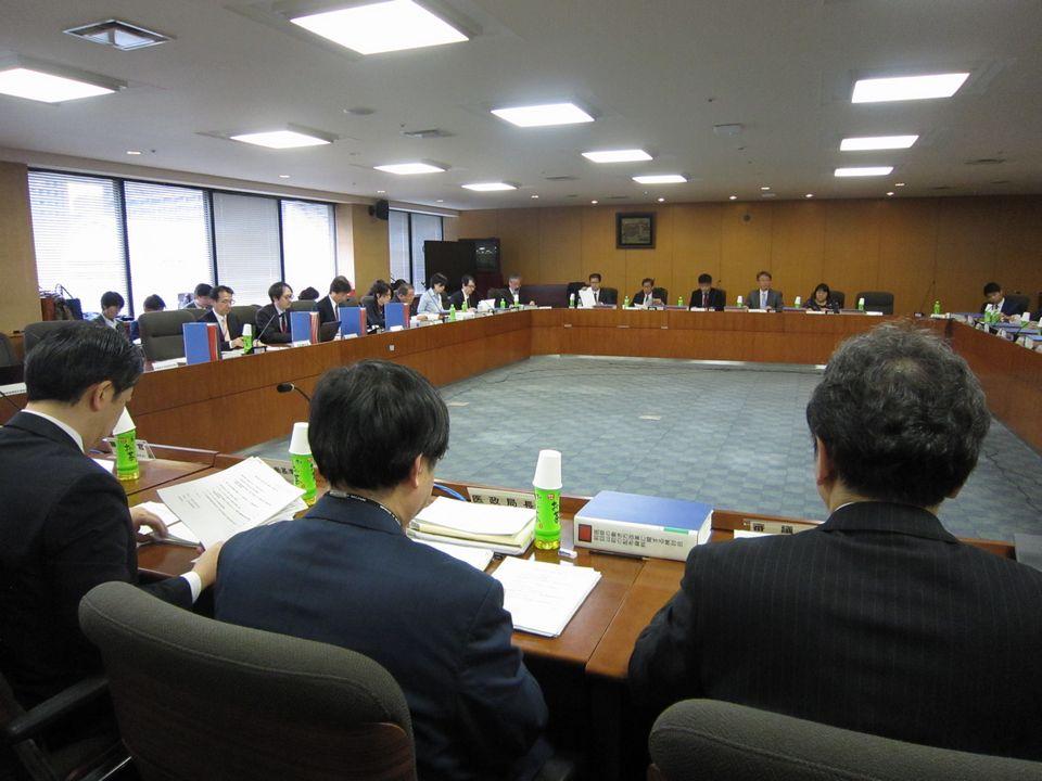 3月28日に開催された、「第22回 医師の働き方改革に関する検討会」