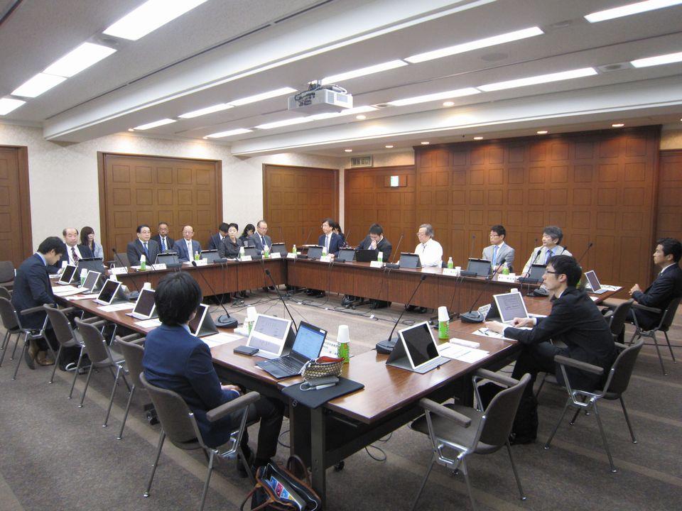 4月24日に開催された、「第4回 オンライン診療の適切な実施に関する指針の見直しに関する検討会」