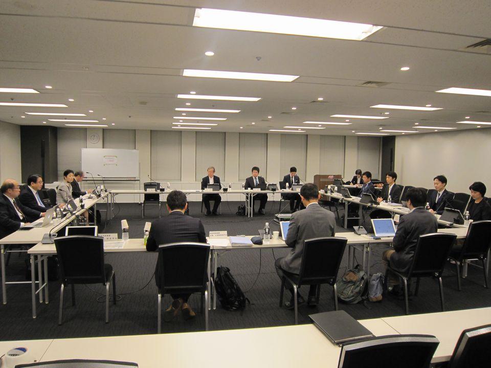 5月31日に開催された、「第5回 オンライン診療の適切な実施に関する指針の見直しに関する検討会」
