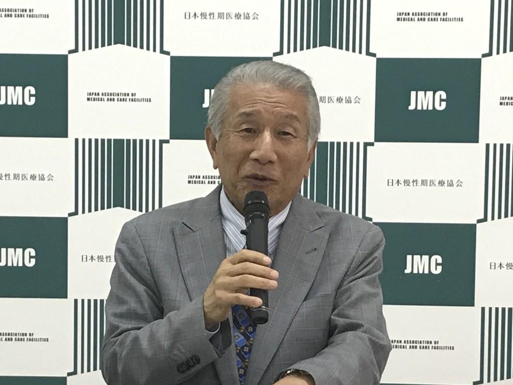 7月18日に定例記者会見に臨んだ、日本慢性期医療協会の武久洋三会長