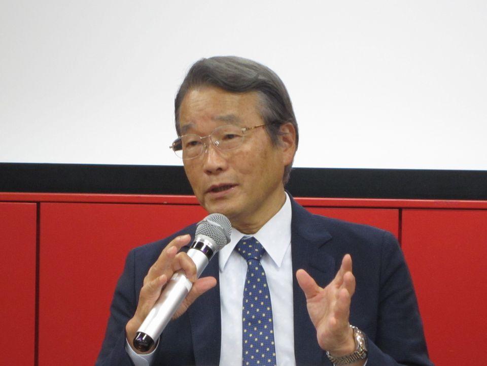 7月22日の記者会見に臨んだ寺本民生・新理事長(帝京大学・臨床研究センター長)